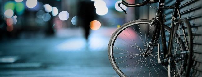 Bagażnik rowerowy tylny – na hak czy na klapę?