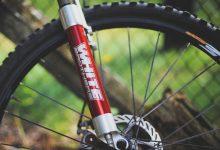 Ciśnienie w oponach rowerowych – na jakim poziomie je utrzymywać?