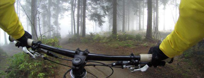 Dlaczego warto zainwestować w kask rowerowy?