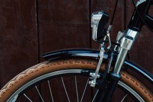 jakie światła rowerowe są obowiazkowe