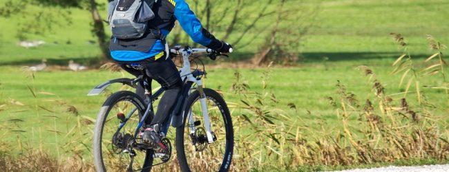 Jesienny strój na rower – w co się ubrać?