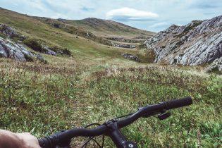 Najpiękniejsze trasy rowerowe na jesienne wycieczki